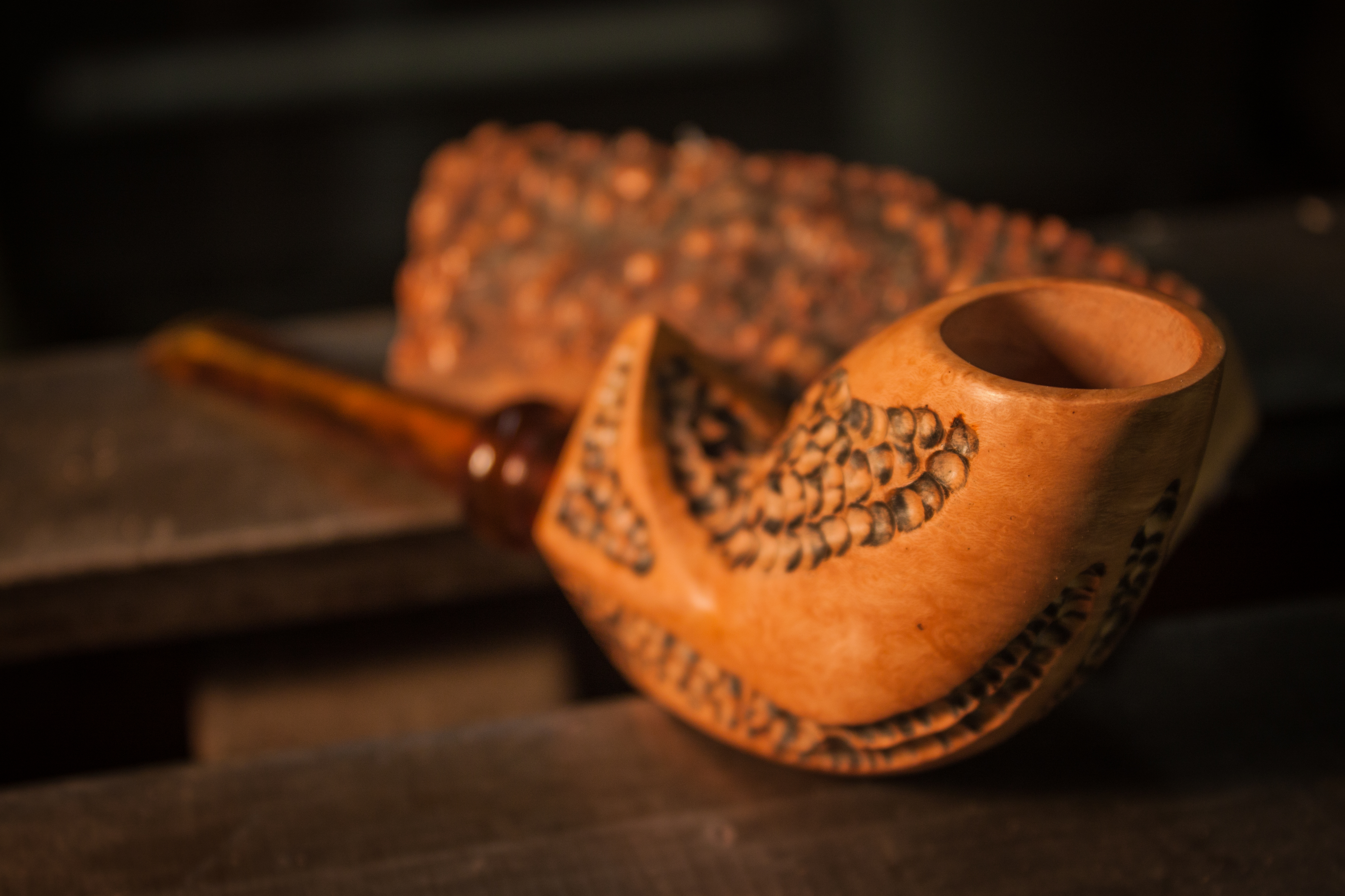 A g tobacco pipes two friends making handcrafted smoking for Golden fish pipe